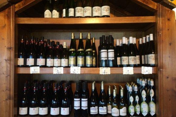 Les vins et alcools en vente dans notre boutique Lugrin
