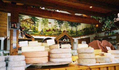 Les fromages savoyards Lugrin - Le Temple Du Fromageà Lugrin : Boutique de vente de produits savoyards