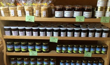 Les miels et confitures en vente dans notre boutique Lugrin
